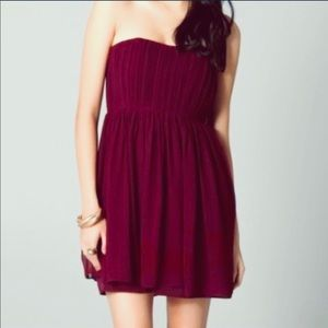 Alice + Olivia strapless red burgundy dress size 6
